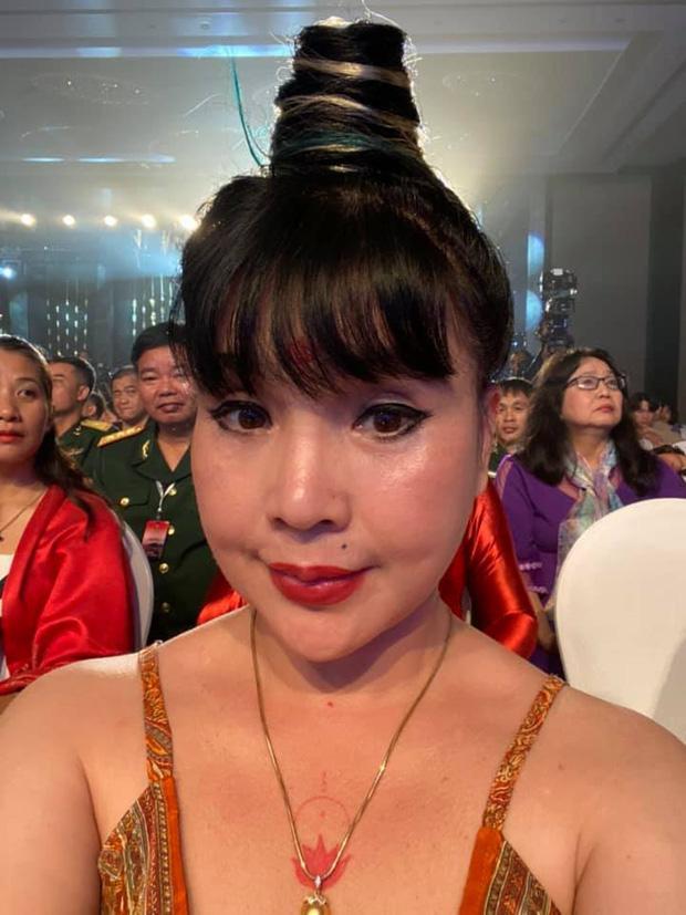 Sau khi khoe ảnh không chỉnh sửa, NSND Lan Hương lại dọa ma với những hình selfie đáng sợ-5