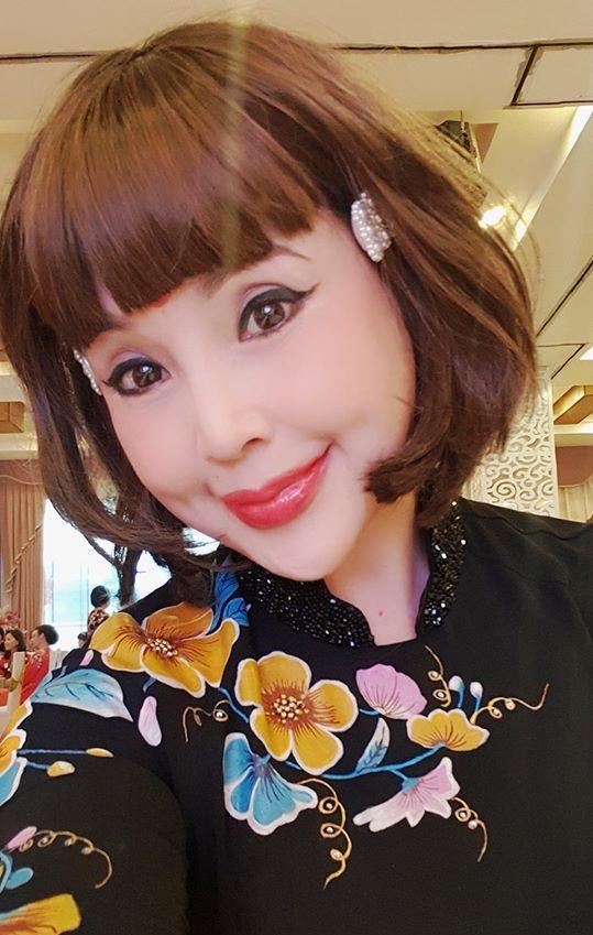 Sau khi khoe ảnh không chỉnh sửa, NSND Lan Hương lại dọa ma với những hình selfie đáng sợ-7