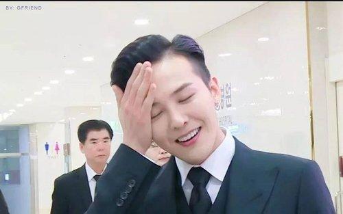 Chưa kịp ăn mừng Instagram cán mốc 17 triệu follow, G-Dragon đã bị fans cho ăn một vố troll cực đau-4