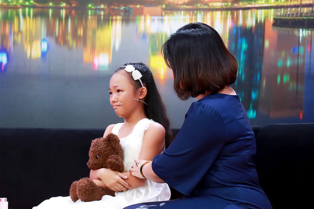 Ốc Thanh Vân bật khóc khi vũ công nhí bị mẹ đánh bầm người ép học vũ đạo-2