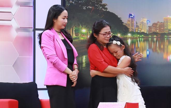 Ốc Thanh Vân bật khóc khi vũ công nhí bị mẹ đánh bầm người ép học vũ đạo-4