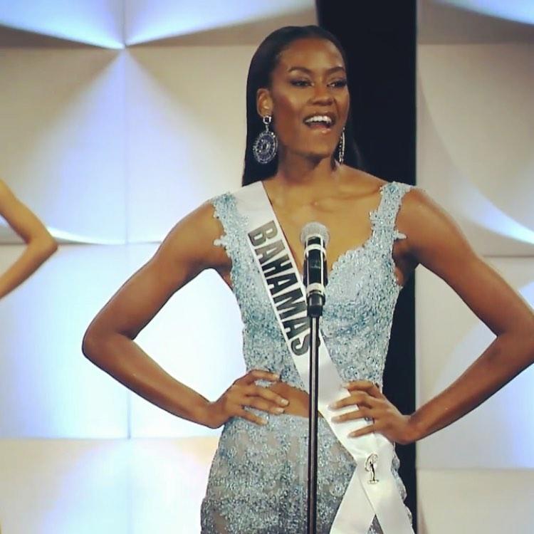 Hoàng Thùy thi bán kết Miss Universe 2019: Chào sân ấn tượng, diễn bikini an toàn, bùng nổ với dạ hội-7