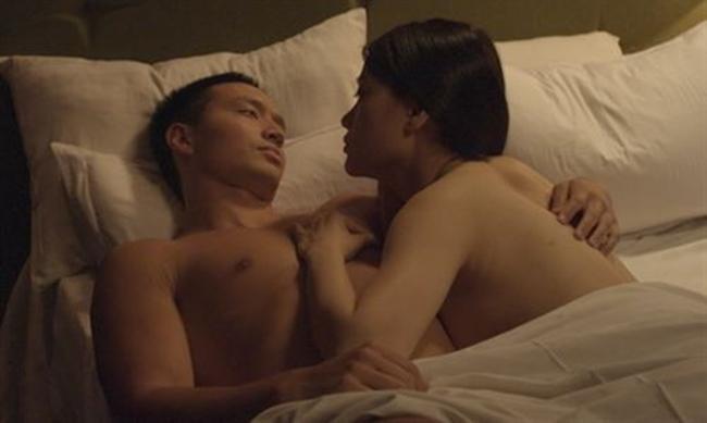 Loạt cảnh nóng quá bạo khiến vợ cũ Phan Thanh Bình, Quỳnh Nga bầm tím khắp cơ thể-17