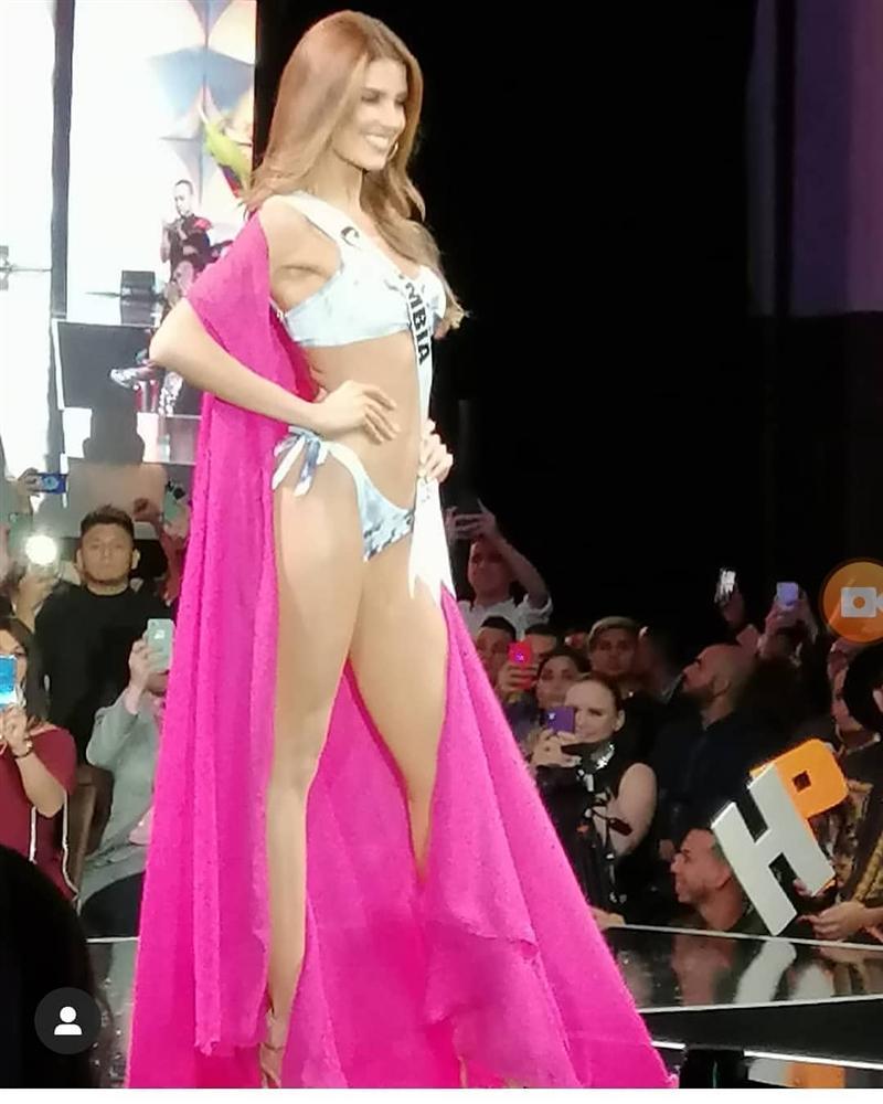 Hoàng Thùy thi bán kết Miss Universe 2019: Chào sân ấn tượng, diễn bikini an toàn, bùng nổ với dạ hội-18