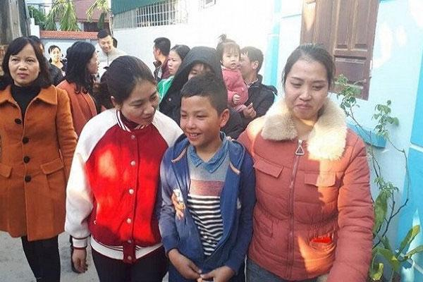 Bé trai 10 tuổi nghi mất tích đạp xe từ Hải Dương lên Hà Nội, ăn chực cỗ cưới, đêm ngủ ven đường tàu-1