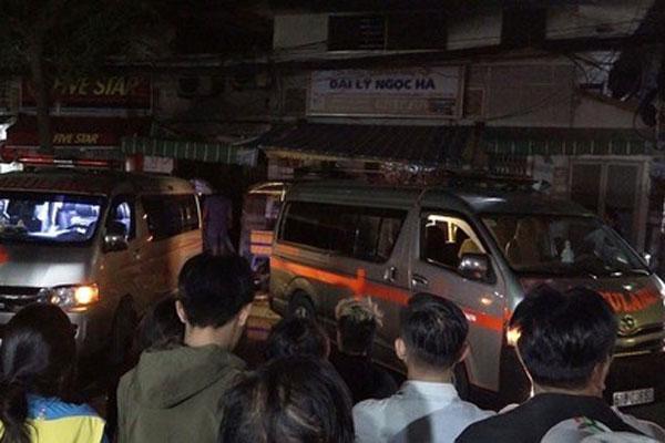 TP.HCM: Căn nhà ở quận 7 bốc cháy dữ dội khiến 2 phụ nữ và một cháu bé tử vong-1