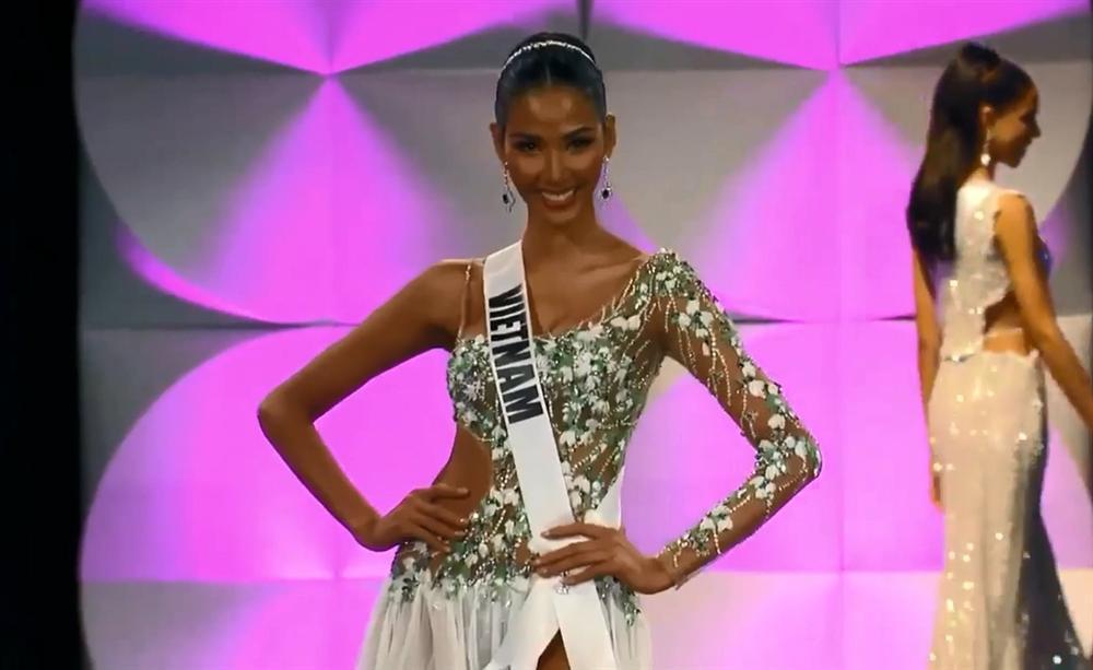 Hoàng Thùy thi bán kết Miss Universe 2019: Chào sân ấn tượng, diễn bikini an toàn, bùng nổ với dạ hội-22