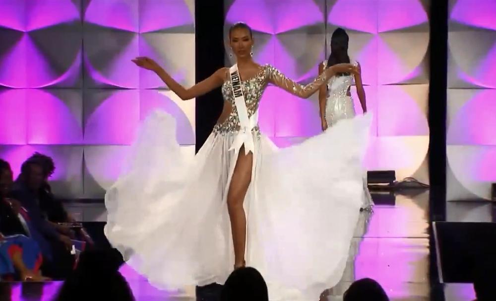 Hoàng Thùy thi bán kết Miss Universe 2019: Chào sân ấn tượng, diễn bikini an toàn, bùng nổ với dạ hội-24