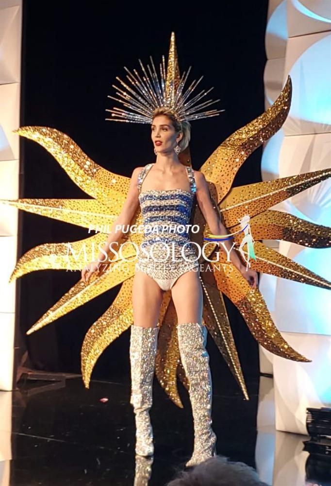 Top 10 quốc phục chất khỏi bàn chỉ có ở Miss Universe 2019: Hoàng Thùy trình diễn cafe phin xuất sắc-15