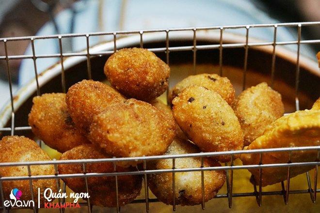 Quán bánh rán mặn 28 năm chỉ đun bằng bếp dầu hiếm thấy của cặp vợ chồng già Vĩnh Hồ-7