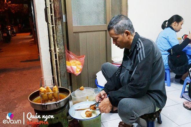 Quán bánh rán mặn 28 năm chỉ đun bằng bếp dầu hiếm thấy của cặp vợ chồng già Vĩnh Hồ-8
