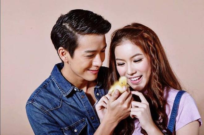 Choáng váng khi thấy hoàng tử nụ cười Thái Lan thích mặc váy ngủ của bạn gái-1