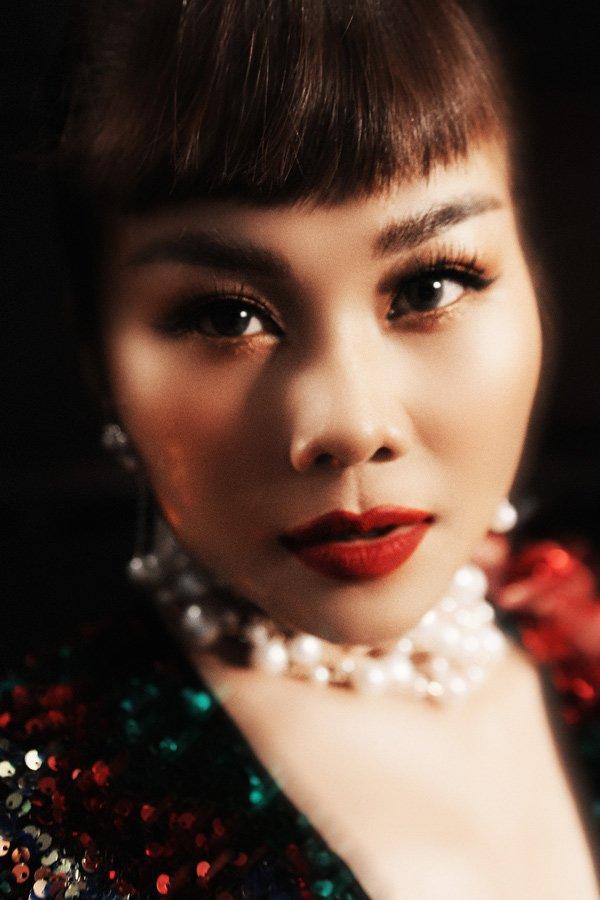 Mải mê chấm thi Hoa hậu Hoàn vũ, Thanh Hằng rụng mất... 2 hàng lông mi-5