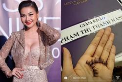 Mải mê chấm thi Hoa hậu Hoàn vũ, Thanh Hằng rụng mất... 2 hàng lông mi