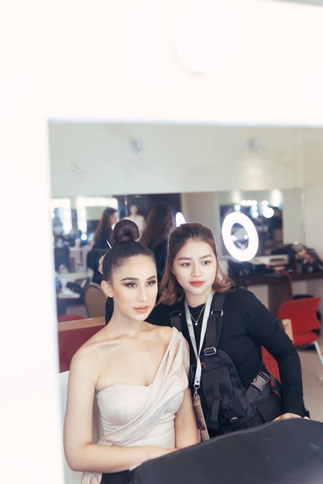 Các thí sinh make-up lỹ lưỡng trong hậu trường-1