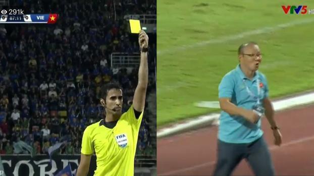 Thầy Park thêm lần nữa nhận thẻ vàng chỉ vì xông ra đường biên hơn thua để bảo vệ Trọng Hoàng-3