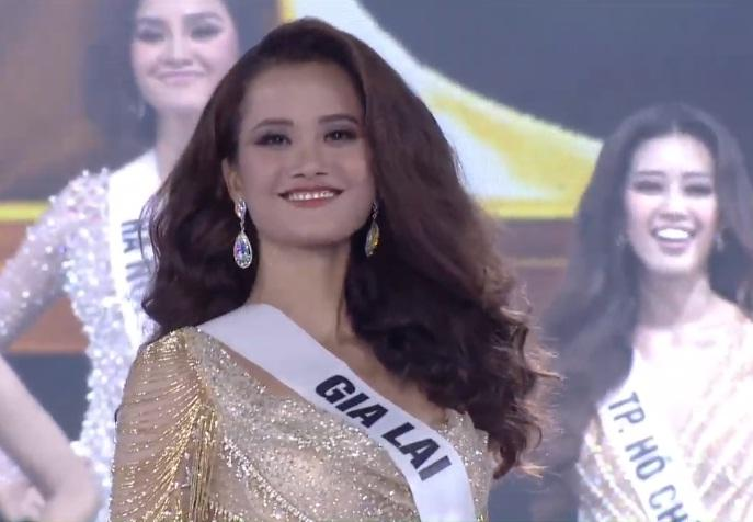 Thí sinh Hoa hậu Hoàn Vũ Việt Nam 2019 Hương Ly ngất xỉu trên sân khấu-3