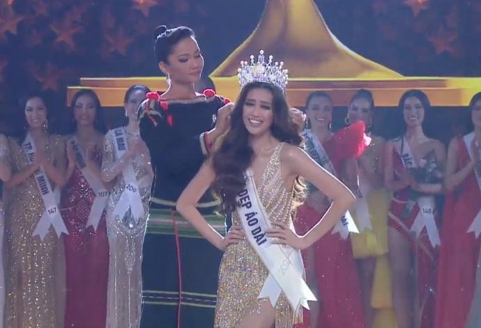 HHen Niê tâm sự xúc động ngay sau khi kết thúc nhiệm kỳ Hoa hậu Hoàn vũ Việt Nam-4