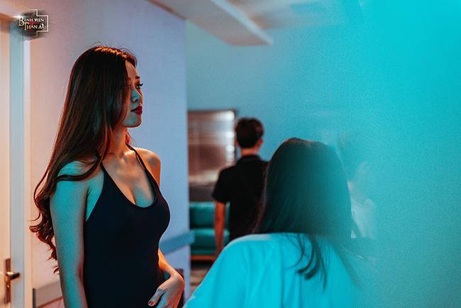 Loạt ảnh nóng bỏng của Tân Hoa hậu Hoàn vũ Việt Nam 2019 khi làm điều dưỡng mê trai-4