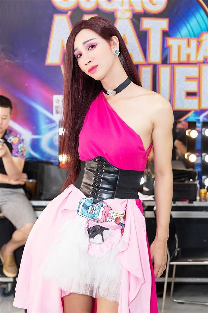 Thấy BB Trần nhảy đẹp hơn Hồ Ngọc Hà, Quang Linh trở thành fan, còn đòi đi xem diễn cho bằng được-6