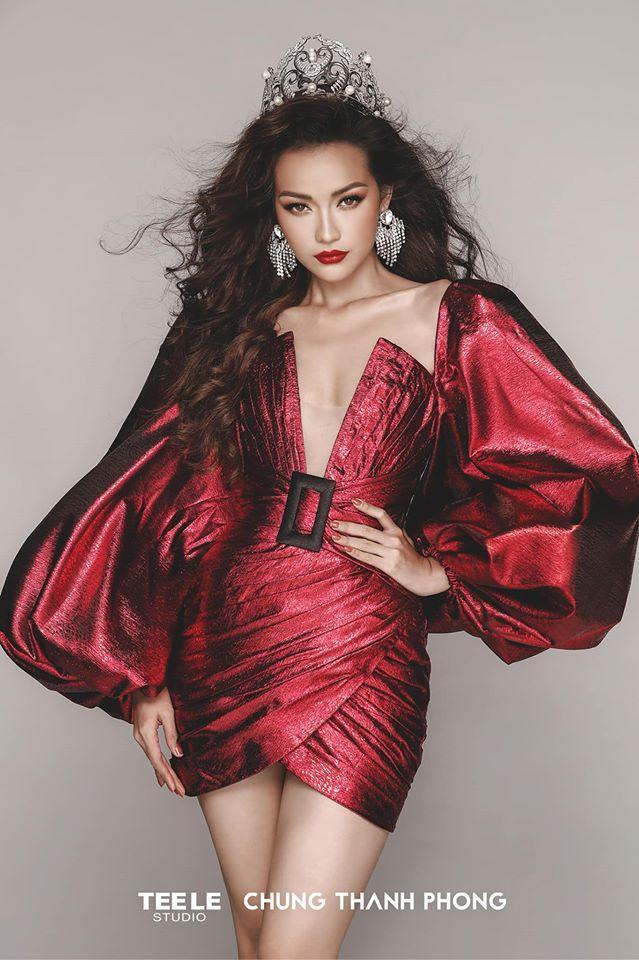 Hồ Ngọc Hà khoe vòng 1 lấn át cả Ngọc Trinh, chấp cả Hoa hậu Siêu quốc gia châu Á Ngọc Châu khi đụng hàng-3
