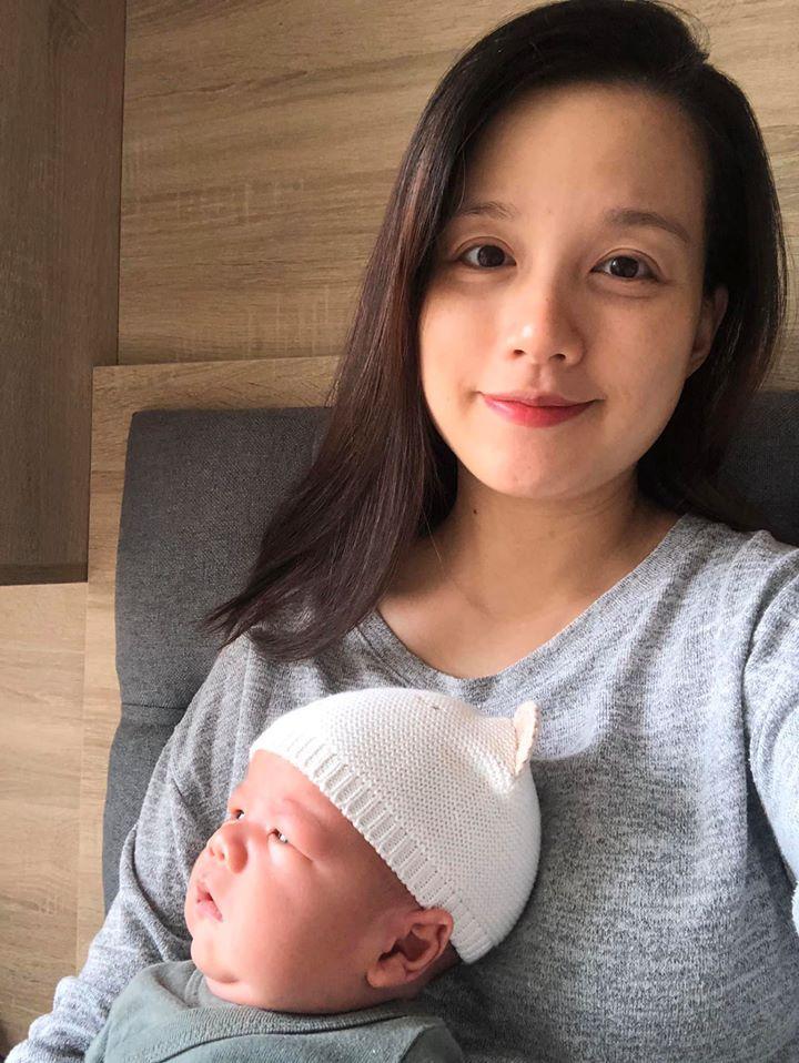 Khoe mặt mộc sau chưa đầy 1 tháng sinh con thứ 4, MC Minh Trang làm ai cũng xuýt xoa trước thần thái hơn người-4