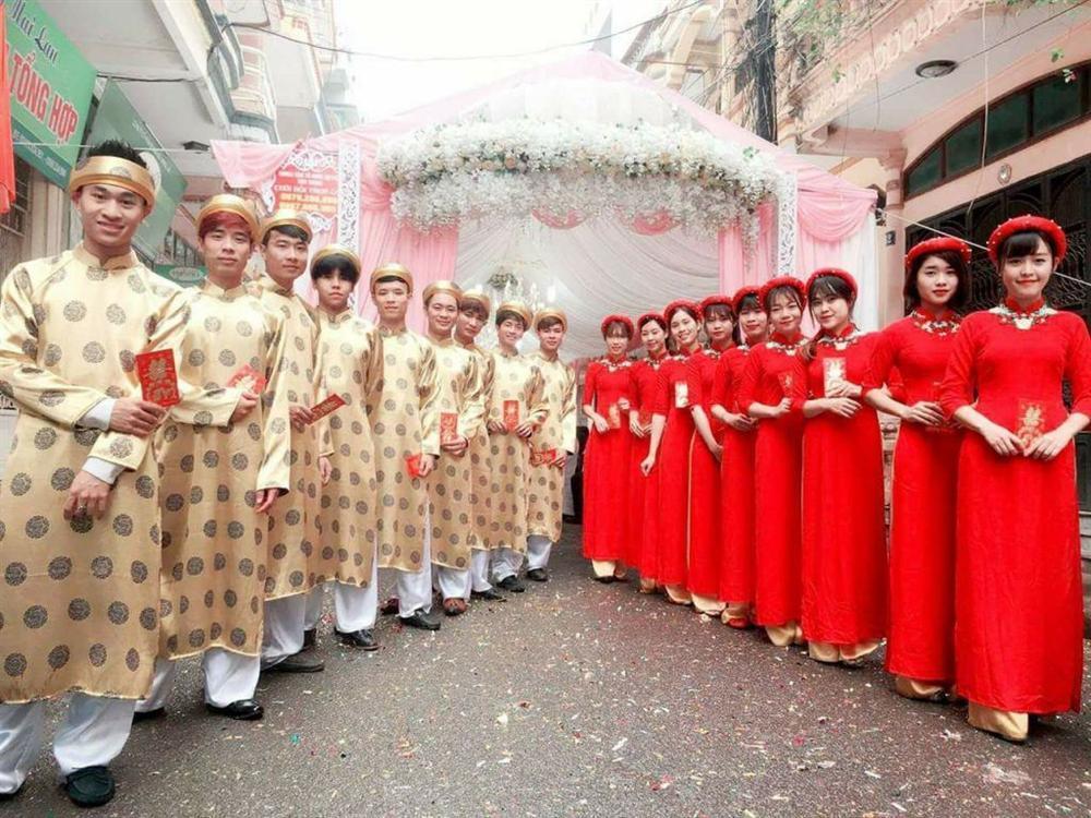 Giận tím người trước những màn lên đồ lôi thôi, kém duyên của dàn bê quả ngày cưới-6