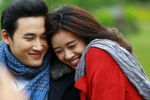 Tân Hoa hậu Hoàn vũ Khánh Vân từng đóng phim cùng Trương Thế Vinh với hình ảnh cực kì gợi cảm-2