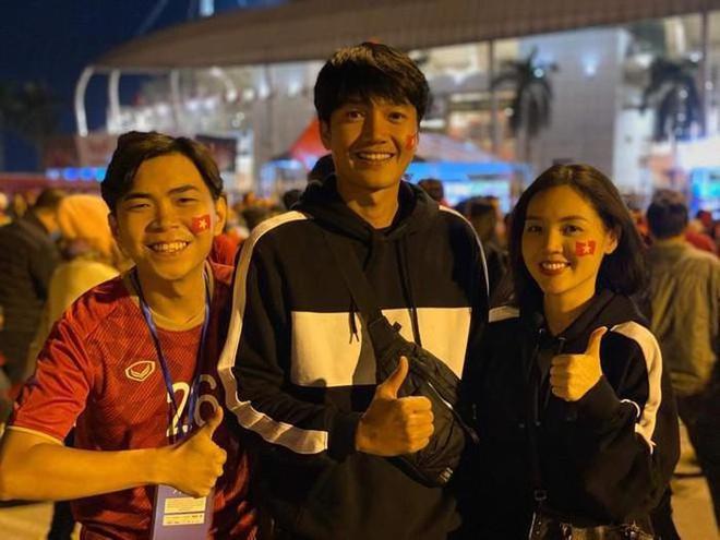 Ngô Thanh Vân và dàn sao cổ vũ bóng đá nữ Việt Nam gặp Thái Lan-3