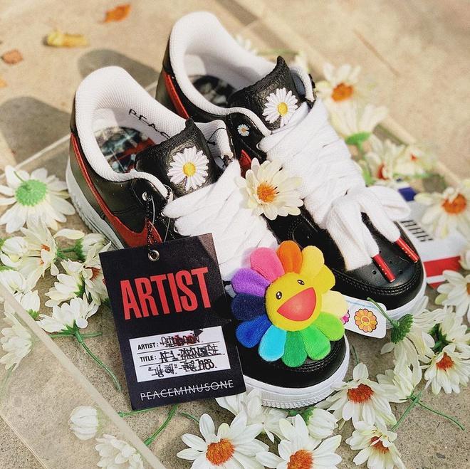 Đôi giày hoa cúc của G-Dragon hiện có giá lên tới 500 triệu đồng?-4