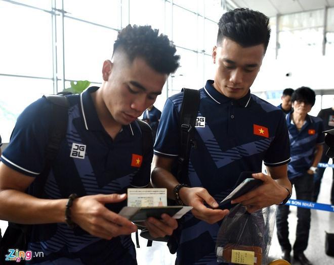Tóc xoăn tít của Đức Chinh thành trend mới sau chiến thắng Campuchia-2