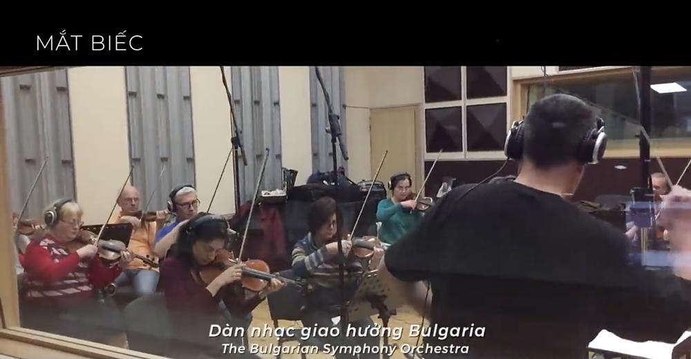 Mắt Biếc đầu tư nhạc xịn nhất năm: Phan Mạnh Quỳnh viết hẳn 3 bài mới, dàn nhạc giao hưởng thu âm tận Bulgary-4