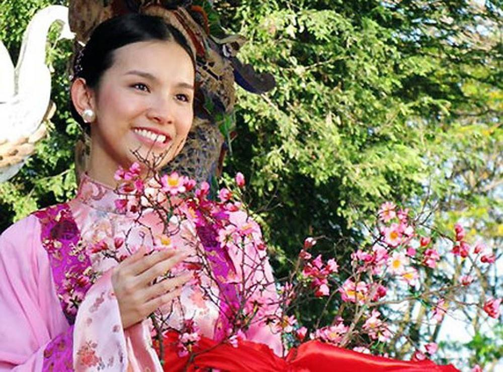 So kè diễn xuất của 4 người đẹp thành danh từ Hoa hậu Hoàn vũ Việt Nam: Thùy Lâm nổi bật, Khánh Vân nhạt nhòa-2
