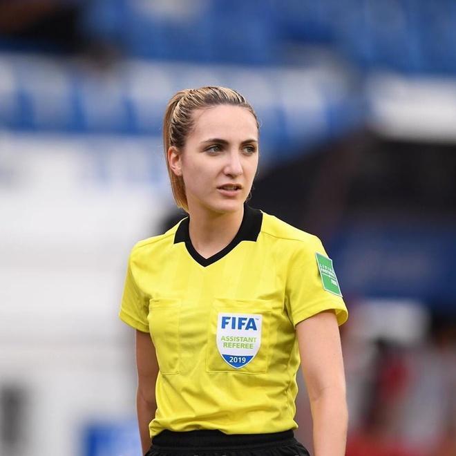 Nữ trọng tài được tìm kiếm sau chung kết bóng đá nữ SEA Games-2