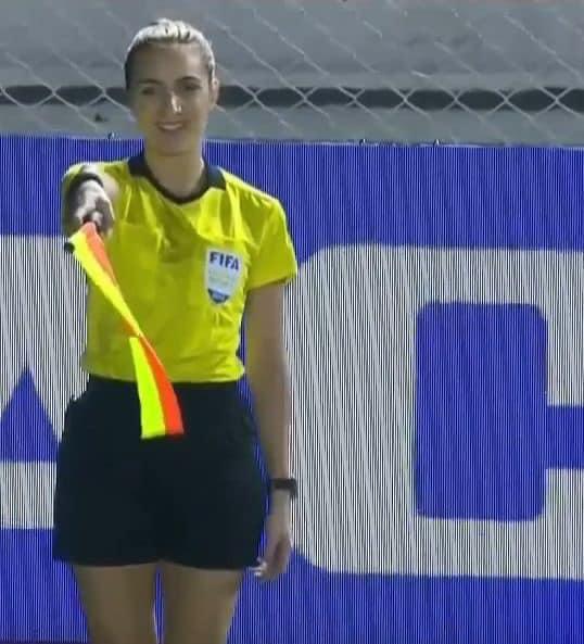 Nữ trọng tài được tìm kiếm sau chung kết bóng đá nữ SEA Games-3