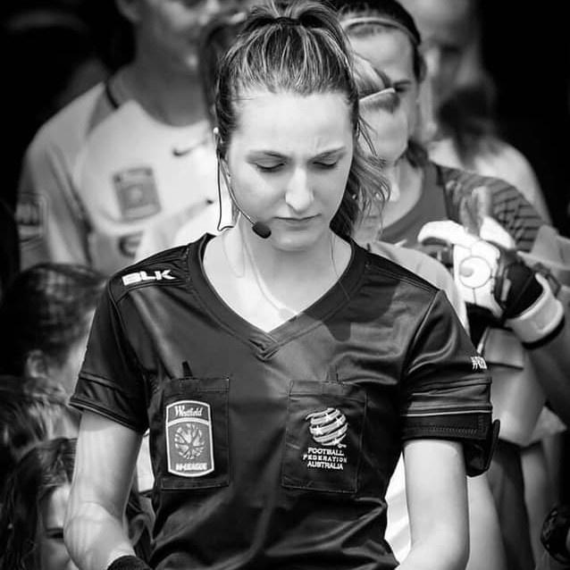 Nữ trọng tài được tìm kiếm sau chung kết bóng đá nữ SEA Games-4
