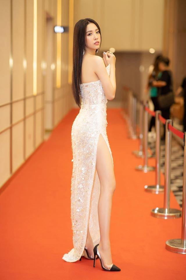 Vừa đăng quang, Hoa hậu Hoàn vũ Khánh Vân bất ngờ bị so sánh với Hoa hậu Việt Nam 2016 Đỗ Mỹ Linh-6