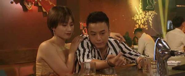 Dân mạng soi sạn, phì cười với tình tiết bất hợp lý của phim Hoa hồng trên ngực trái-4