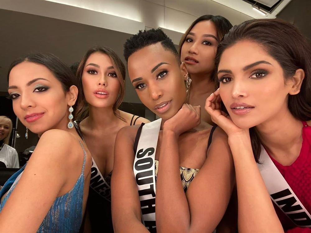 Nhan sắc độc và lạ của cô gái Nam Phi vừa đăng quang Hoa hậu Hoàn vũ 2019-8