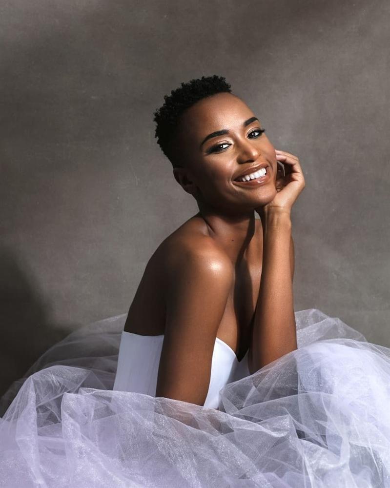 Nhan sắc độc và lạ của cô gái Nam Phi vừa đăng quang Hoa hậu Hoàn vũ 2019-10