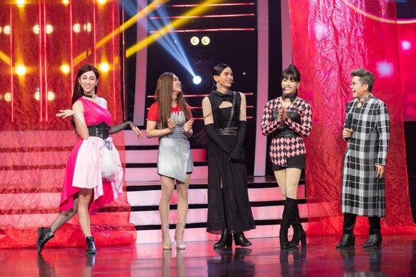BB Trần van nài bầu sô ngưng mời đi hát đám ma sau màn cosplay Jennie phiên bản đô con-1