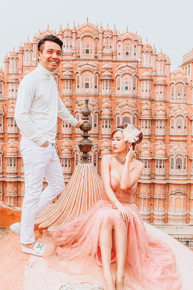 Sang tận Ấn Độ chụp ảnh cưới nhưng đôi guốc ngoại cỡ của vợ hai Minh Nhựa mới giật mọi spotlight-3