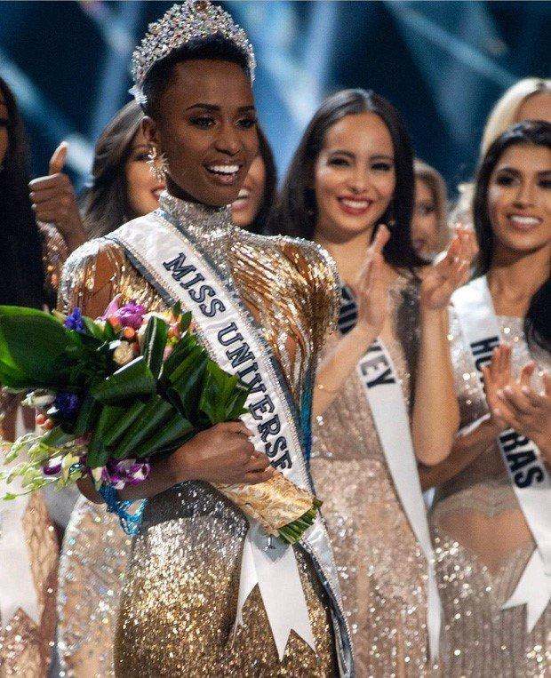 Hoa tai định mệnh của HH Khánh Vân và tân Miss Universe được bán với giá cực mềm, ai cũng có thể mua-2