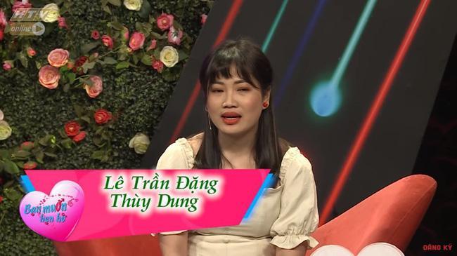 Chàng trai mang bún đậu mắm tôm đi tỏ tình bạn gái nhưng hành động của 2 MC Quyền Linh và Hồng Vân mới buồn cười-2