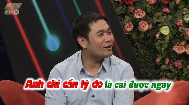 Chàng trai mang bún đậu mắm tôm đi tỏ tình bạn gái nhưng hành động của 2 MC Quyền Linh và Hồng Vân mới buồn cười-6