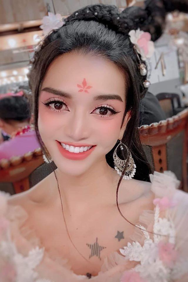 Lạm dụng app chụp ảnh, BB Trần - Hải Triều từ tiên nữ hóa yêu tinh-4