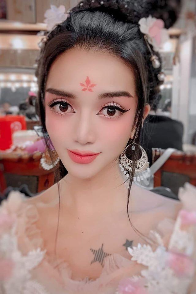 Lạm dụng app chụp ảnh, BB Trần - Hải Triều từ tiên nữ hóa yêu tinh-5