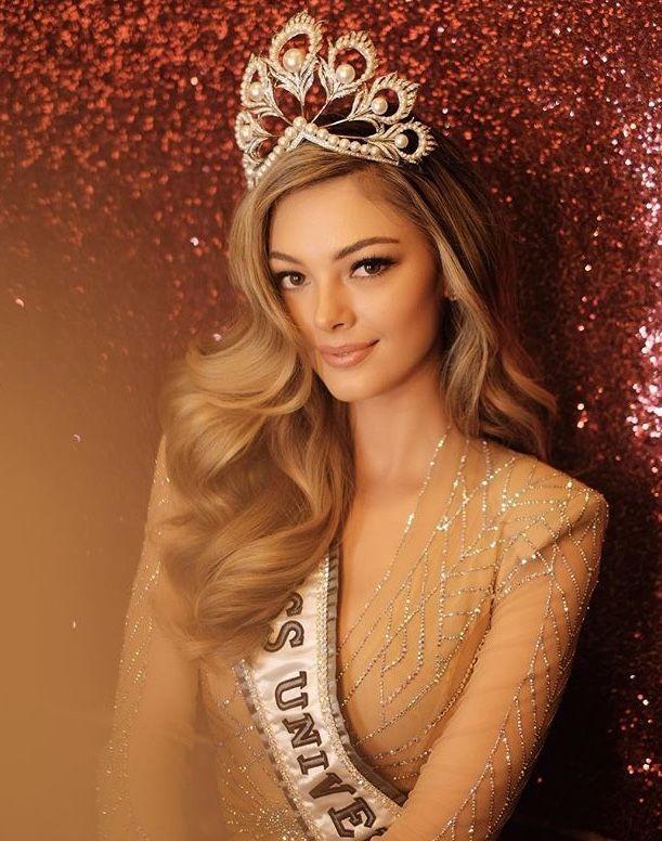 CHOÁNG NGỢP: Nam Phi đoạt 2 vương miện Hoa hậu Hoàn vũ chỉ trong vòng 3 năm-5