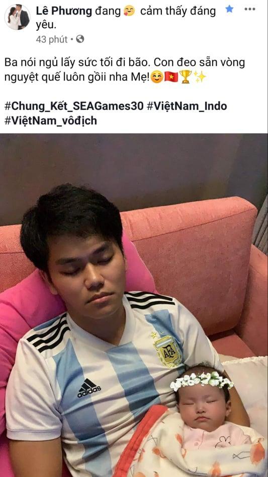 Phương Thanh - Lý Hùng sang Philippines cổ vũ U22 Việt Nam, con gái Lê Phương đội sẵn vòng nguyệt quế-1