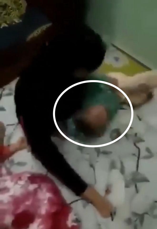 Cha ruột ở Đồng Nai ném con gái hơn 1 tuổi từ trên cao xuống nệm vì muốn... dằn mặt vợ bé-2